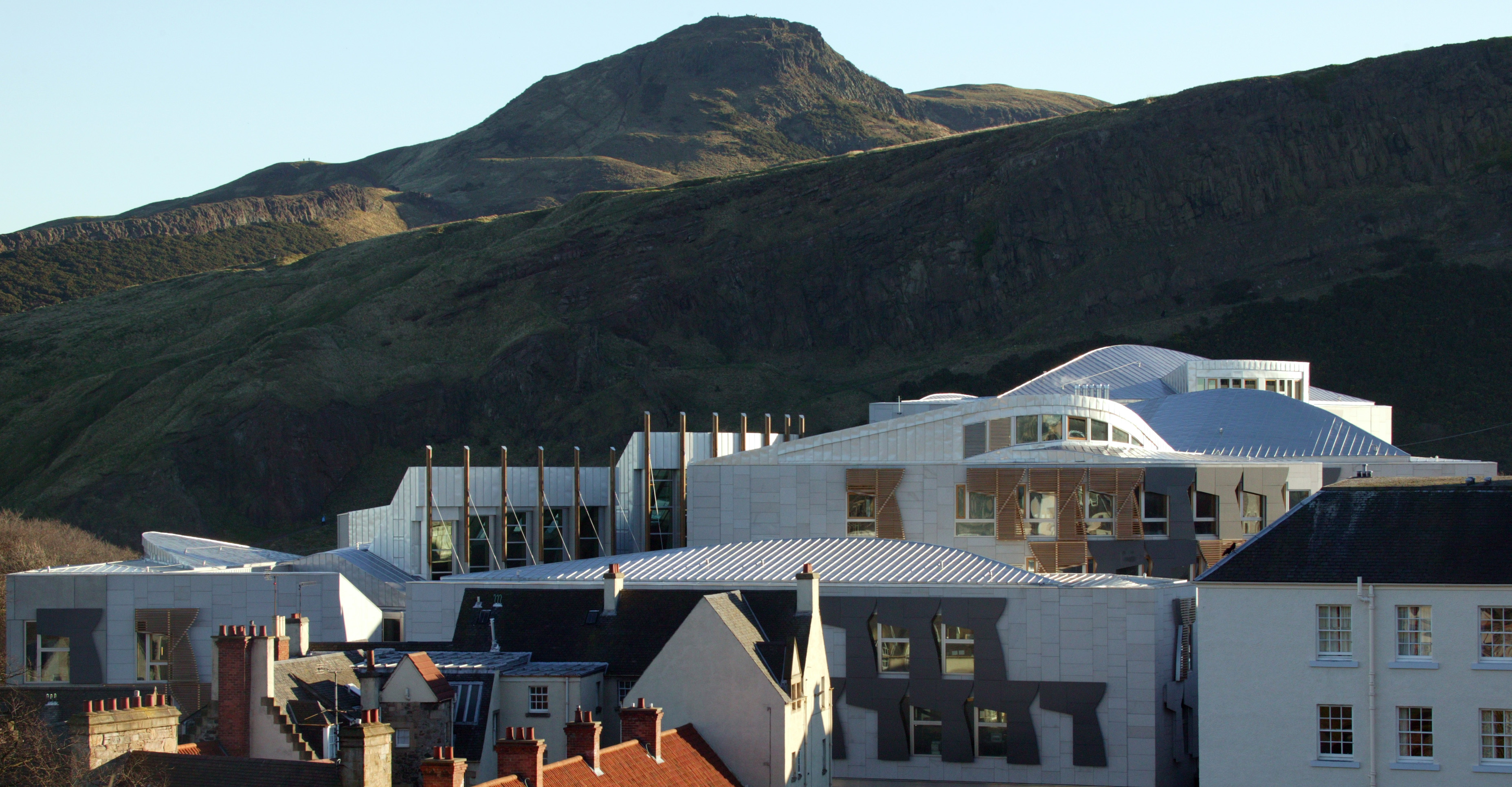 1ST FEBRUARY 2005. LOOKING OVER COMMITTEE TOWER ROOFS TOWARDS ARTHUR'S SEAT AT THE SCOTTISH PARLIAMENT COMPLEX, EDINBURGH. PIC-ANDREW COWAN/SCOTTISH PARLIAMENT. PHOTOGRAPH(C)2005 SCOTTISH PARLIAMENTARY CORPORATE BODY.
